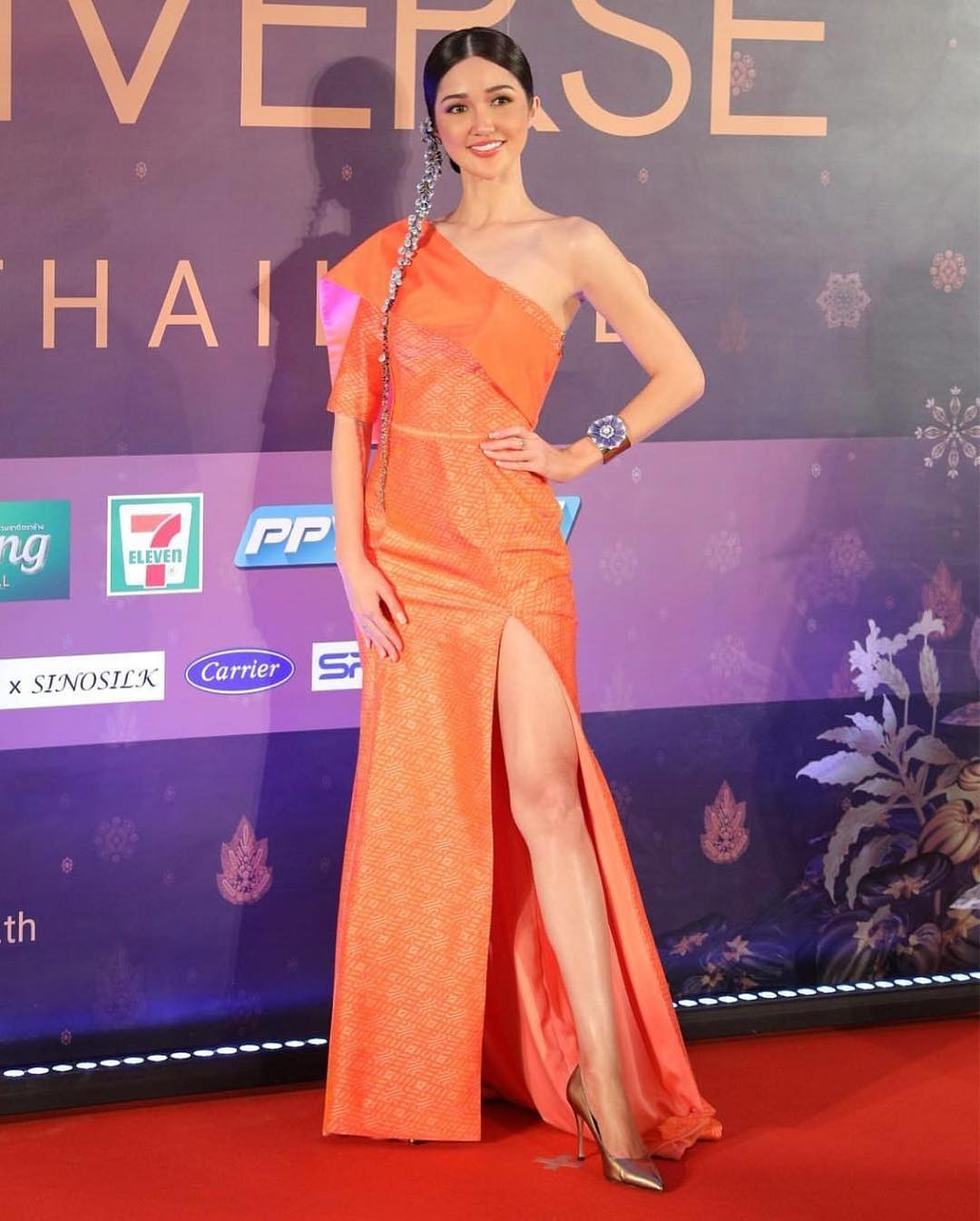 thai night gala dinner de candidatas a miss universe 2018. - Página 8 Q8uetqo6