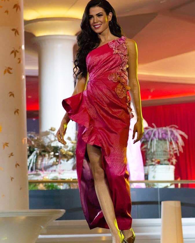 thai night gala dinner de candidatas a miss universe 2018. - Página 10 Tlhijtjl