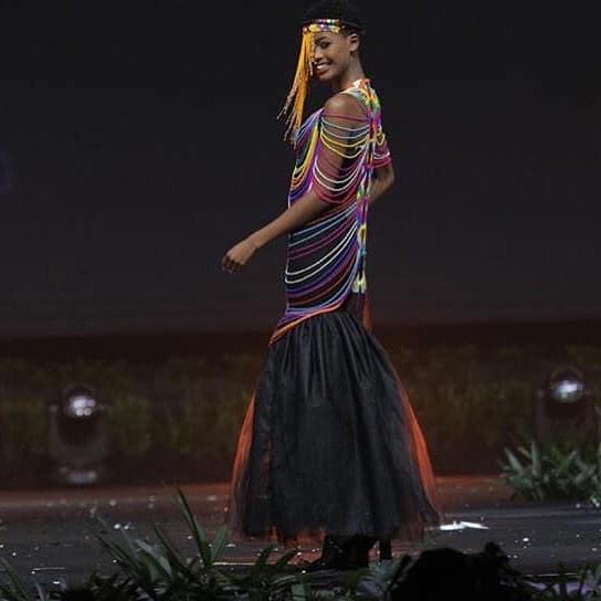 trajes tipicos de candidatas a miss universe 2018. - Página 5 8tduxx5r