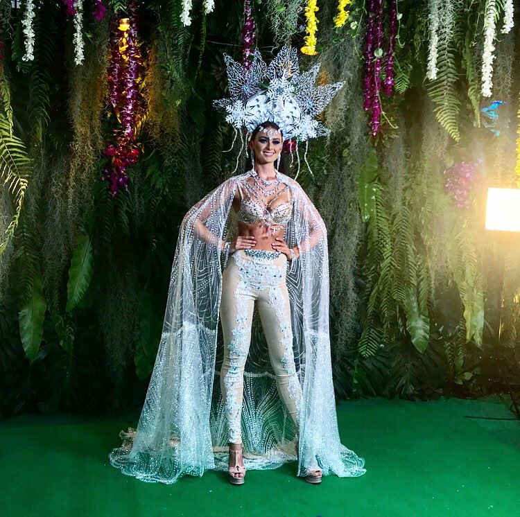 trajes tipicos de candidatas a miss universe 2018. - Página 5 Yjkih3u8