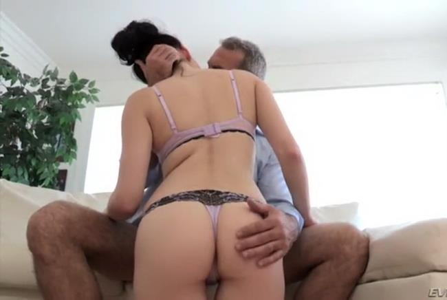 Unknown-Dad and beautiful daughte [SD 480p] Clips4Sale.com [2018/265 MB]