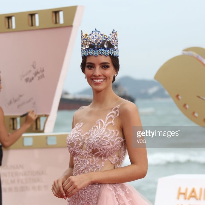 miss world 2018 durante 1st hainan film festival. 2qye78p2