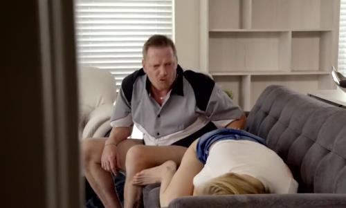 Hannah Hays - Fathers Day Fuck (HD)