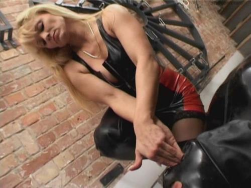 Mistress Cynthia - Mistress Cynthia has her own will very forcefully... (SD)